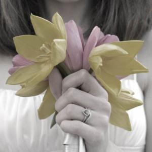 she carried tulips